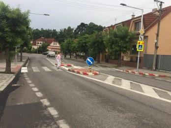 Rekonštrukcia chodníka a nasvietenie priechodu pre chodcov
