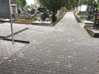 I.etapa- chodník na miestnom cintoríne Senecká ulica